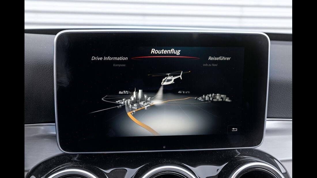 Mercedes C 200, Anzeige, Display, Reiseführer