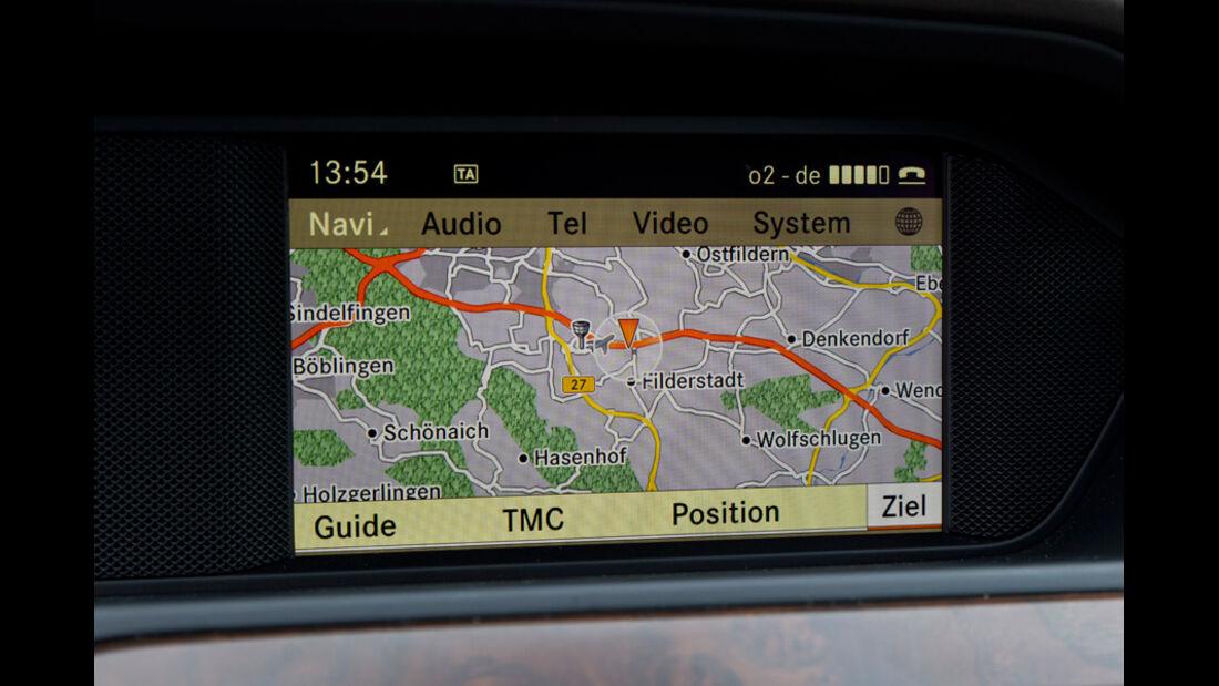 Mercedes C 200, Bildschirm, Navi