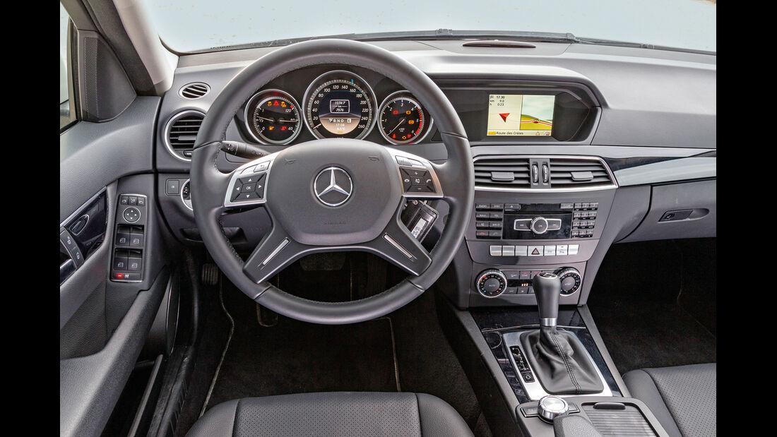 Mercedes C 200 CDI, Cockpit