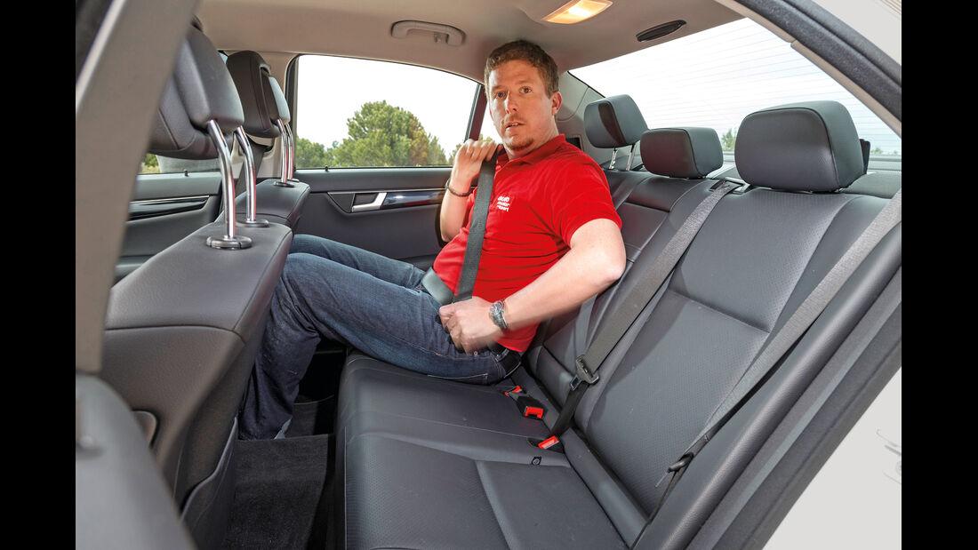 Mercedes C 200 CDI, Rücksitz, Beinfreiheit