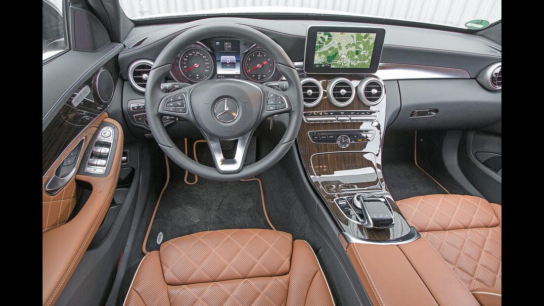 Mercedes C 200 T, Cockpit