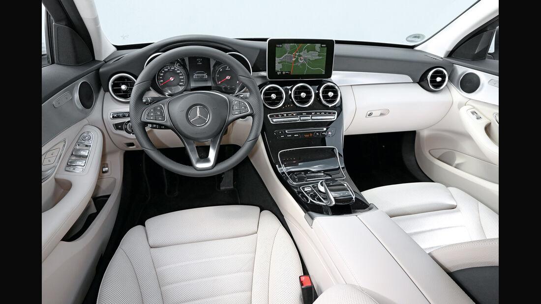 Mercedes C 220 Bluetec, Cockpit