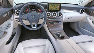 Mercedes C 220 Bluetec, Cockpit
