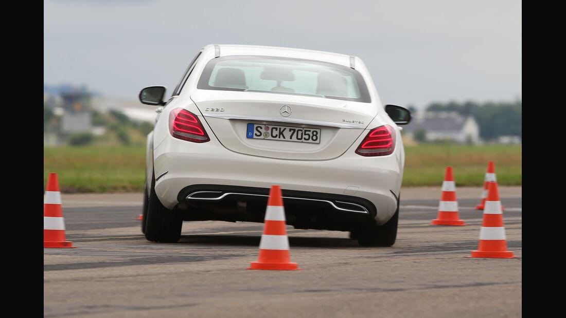 Mercedes C 220 Bluetec, Heckansicht, Fahrtest