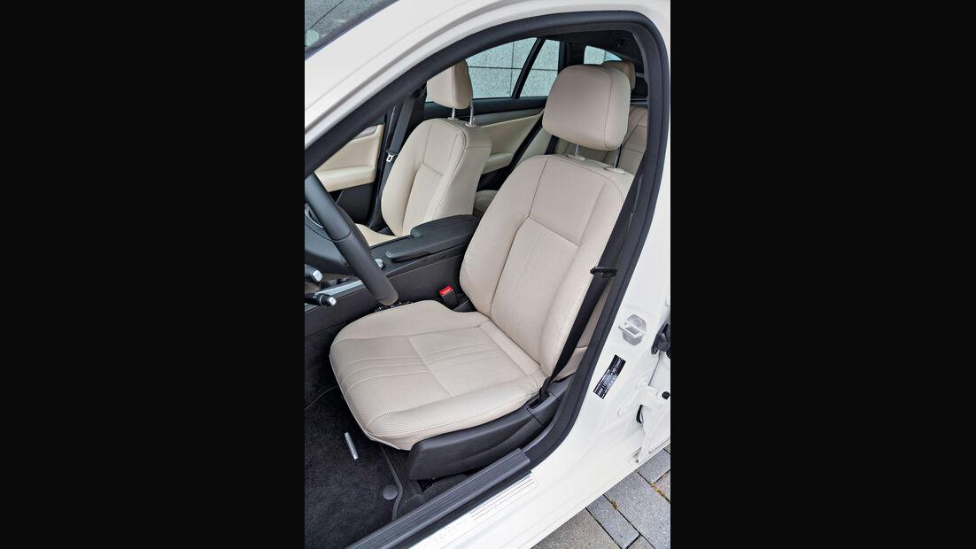 Mercedes C 220 CDI T Avantgarde, Fahrersitz
