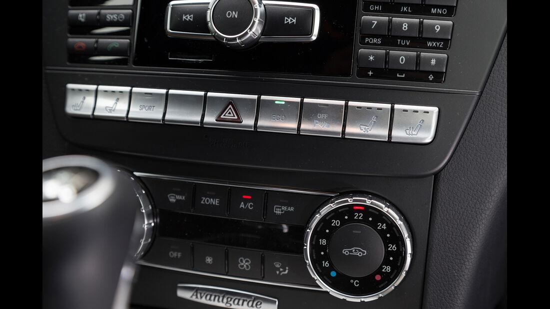 Mercedes C 220 CDI T Avantgarde, Mittelkonsole, Bedienelemente