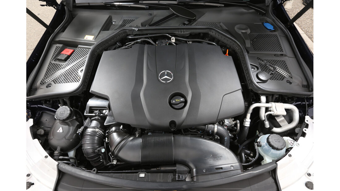 Mercedes C 250 Bluetec, Motor