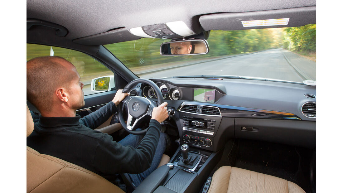 Mercedes C 250 T Avantgarde, Cockpit, Lenkrad