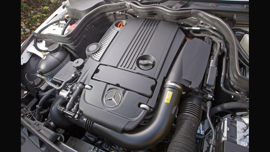 Mercedes C 250 T Avantgarde, Motor