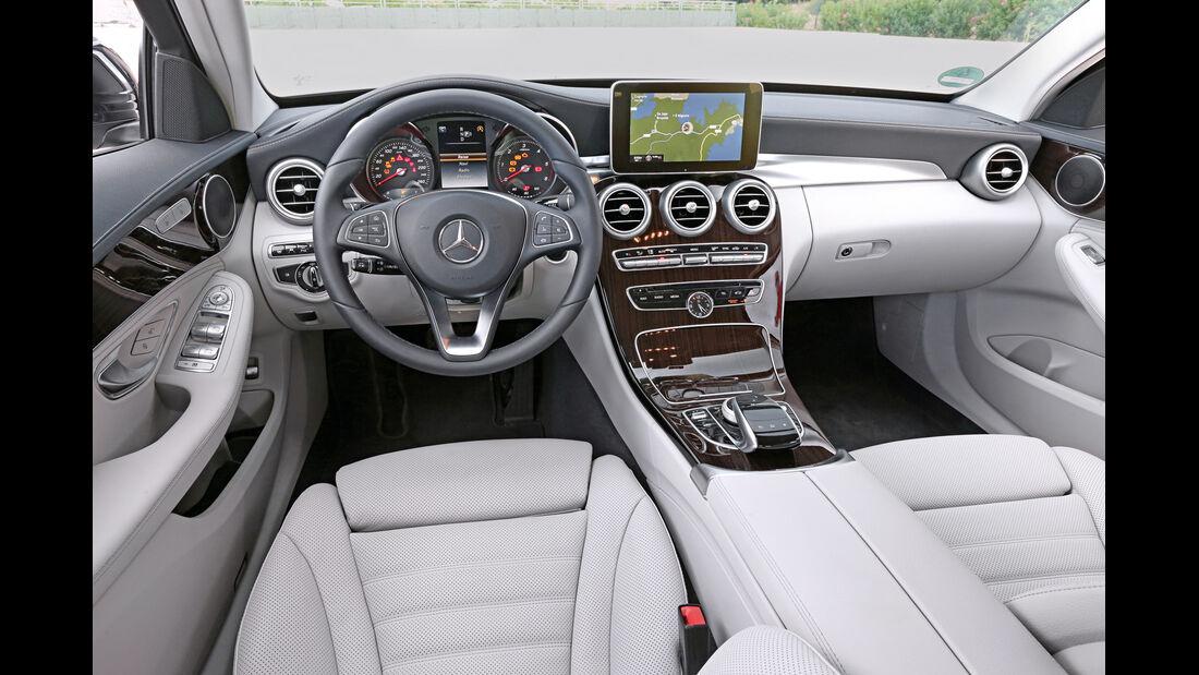 Mercedes C 250 T BT, Cockpit