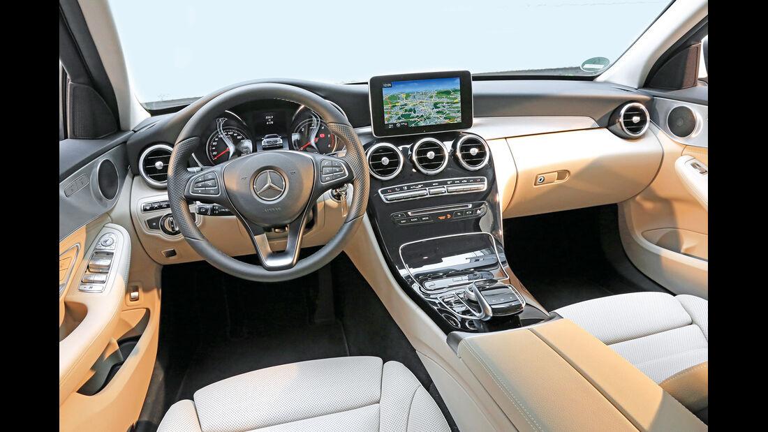 Mercedes C 300 Bluetec Hybrid, Cockpit