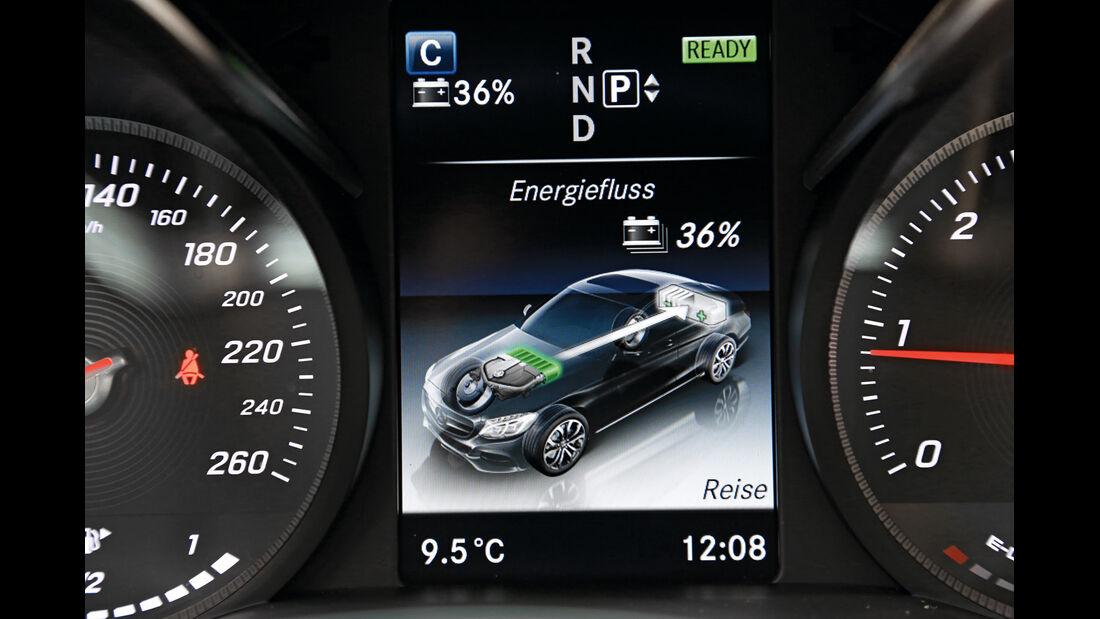 Mercedes C 300 Bluetec Hybrid, Infotainment