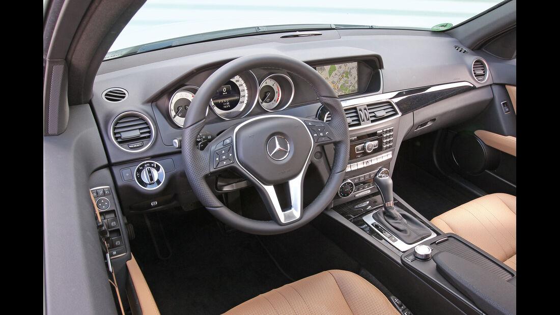 Mercedes C 350 CDi T, Cockpit, Lenkrad