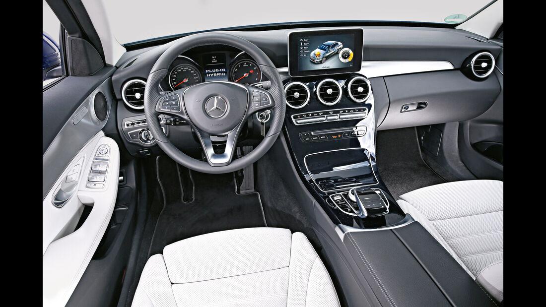 Mercedes C 350 e, Cockpit