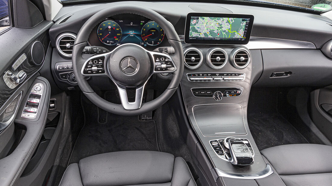 Mercedes C 400 T 4matic, Interieur