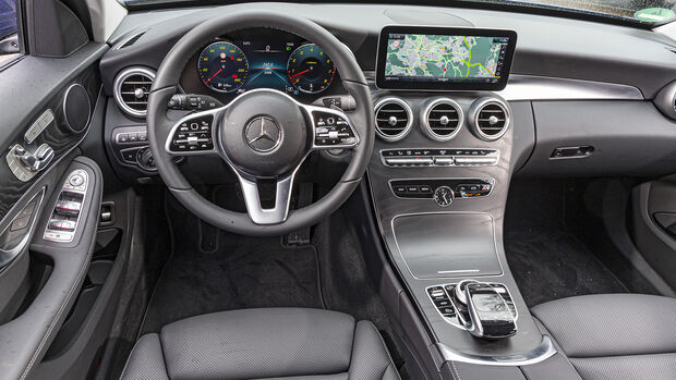 Mercedes C 400 T 4matic, Interieur