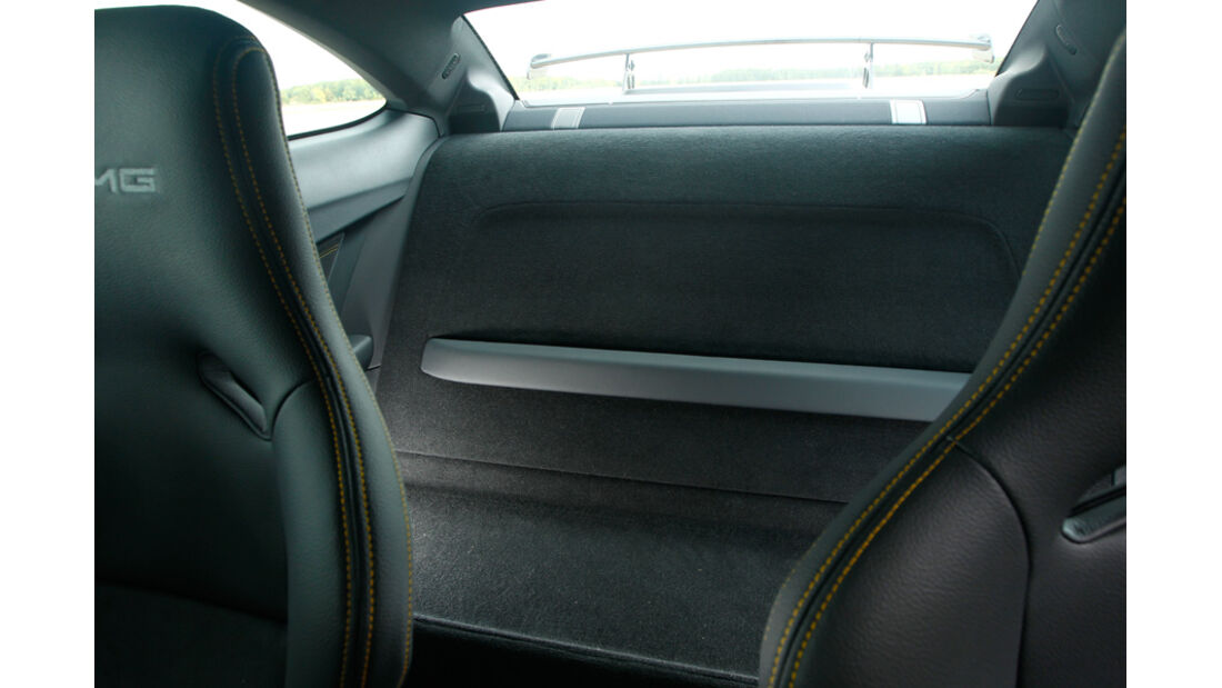 Mercedes C 63 AMG Coupé BS, Fond