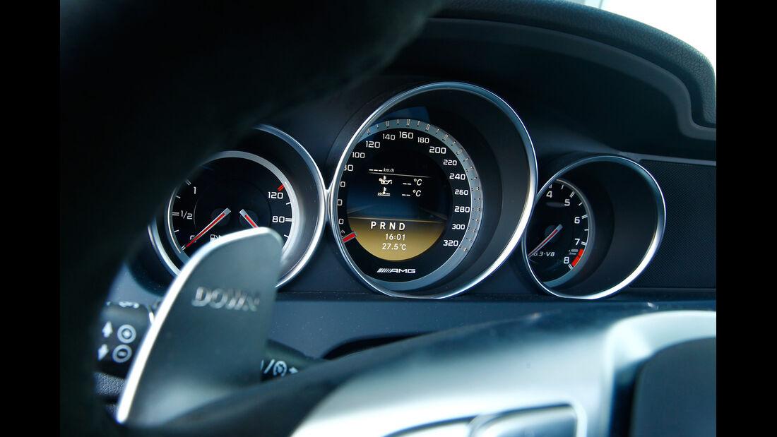Mercedes C 63 AMG Coupé Performance Package, Rundinstrumente
