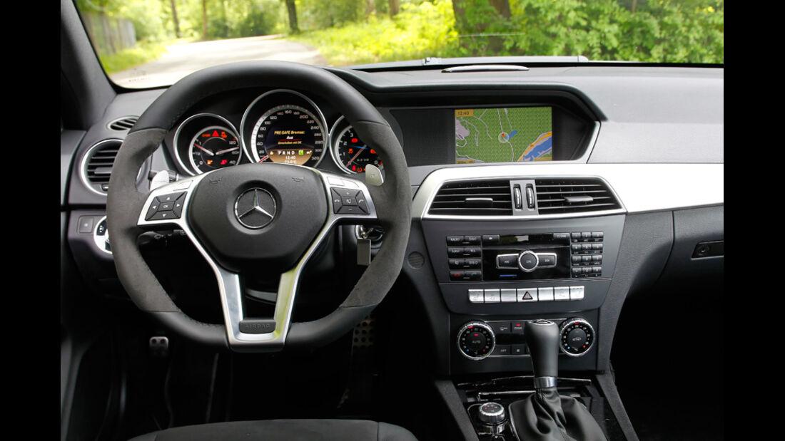 Mercedes C 63 AMG Coupe Performance Package, Cockpit, Lenkrad