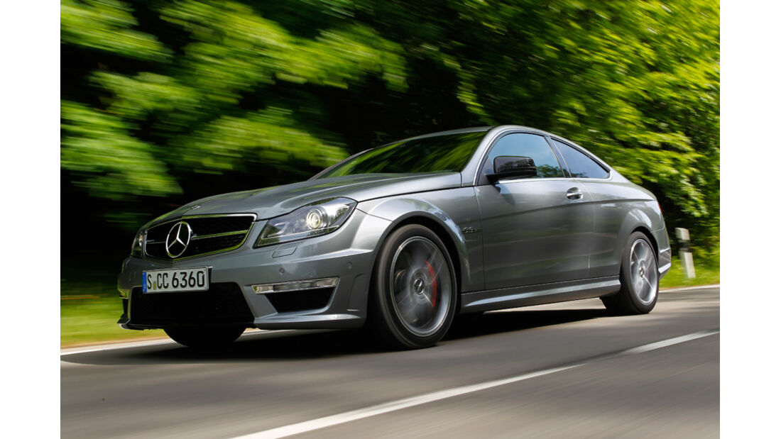 Mercedes C 63 AMG Coupe Performance Package, Frontansicht, Wald