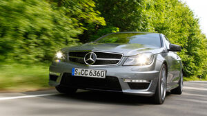Mercedes C 63 AMG Coupe Performance Package, Frontansicht, Wald, Frontscheinwerfer