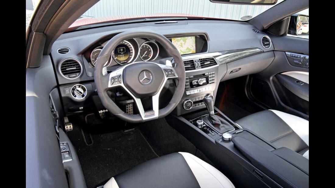 Mercedes C 63 AMG Performance Package, Cockpit, Lenkrad