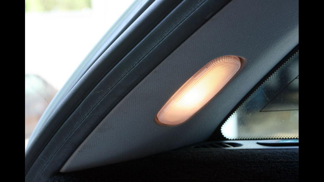 Mercedes C-Klasse, Kofferraumbeleuchtung