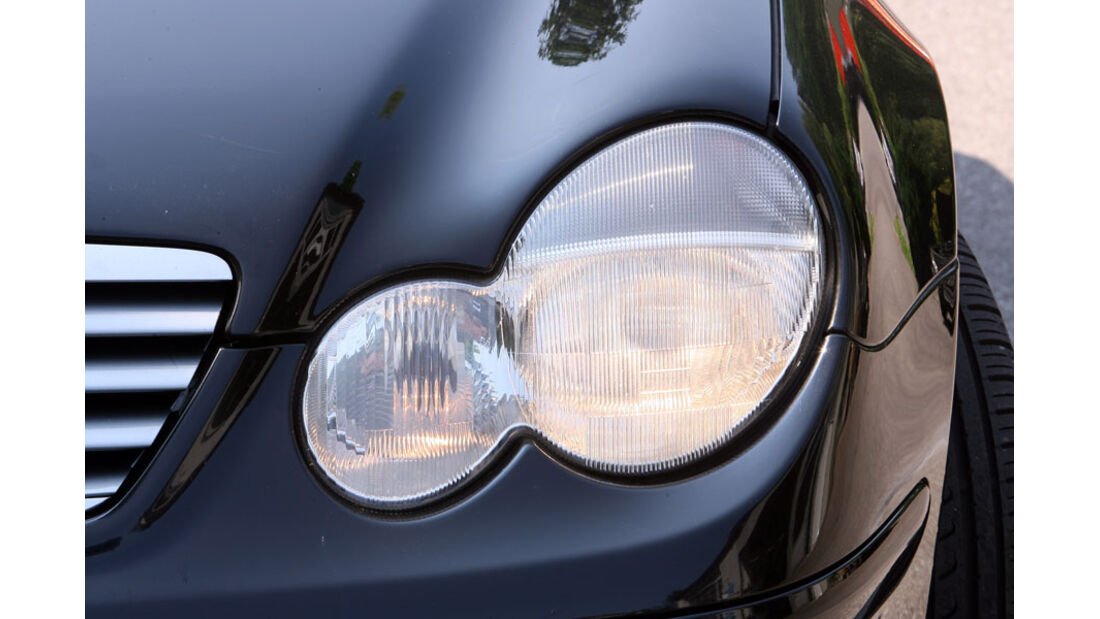 Mercedes C-Klasse, Scheinwerfer