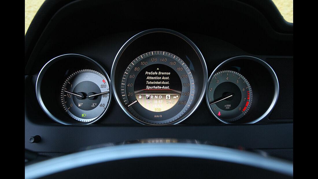 Mercedes C-Klasse T-Modell, Tacho