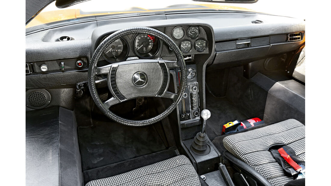 Mercedes C111, Cockpit