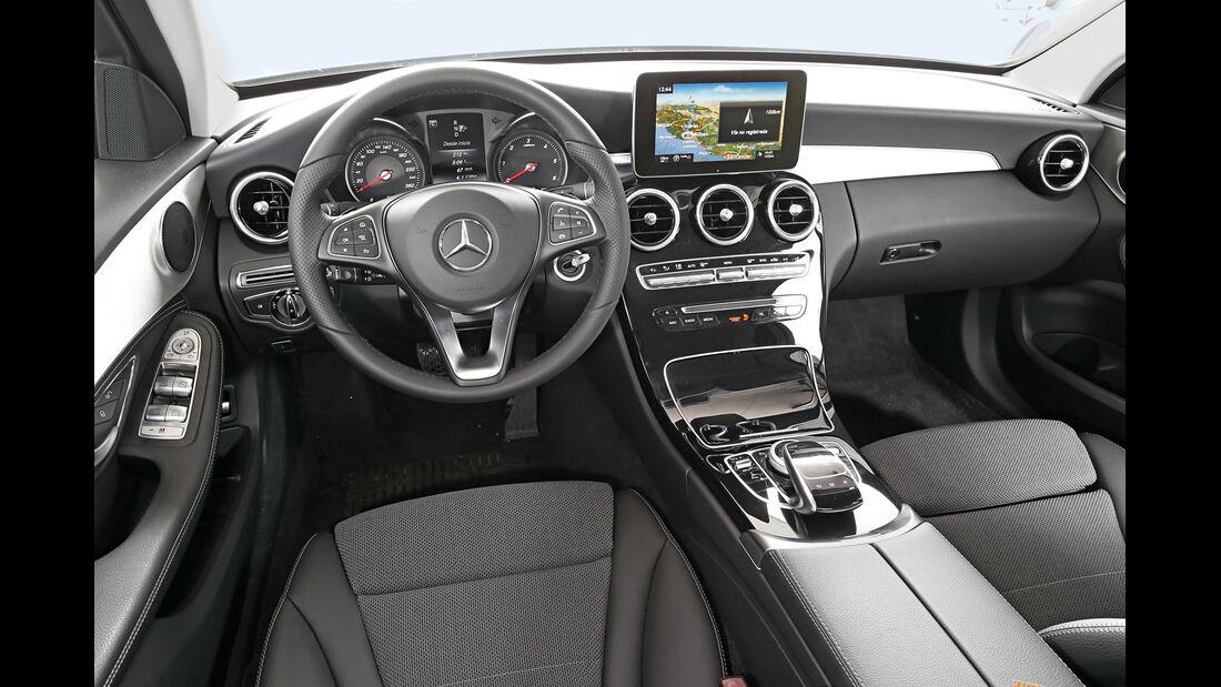 Mercedes C220 Bluetec, Cockpit
