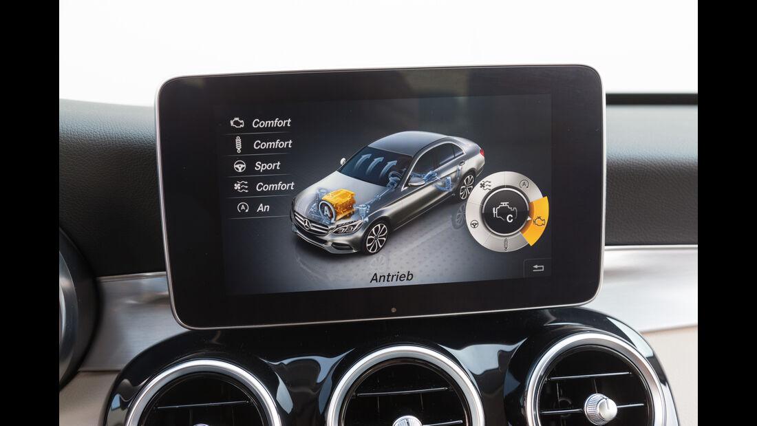 Mercedes C400 4Matic, Display, Infotainment