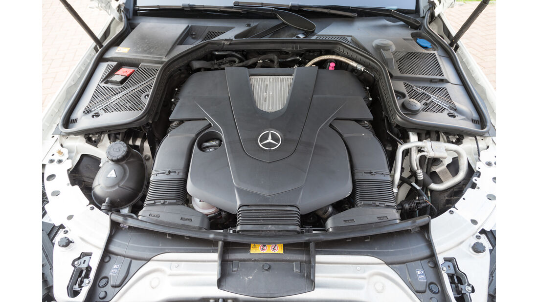 Mercedes C400 4Matic, Motor
