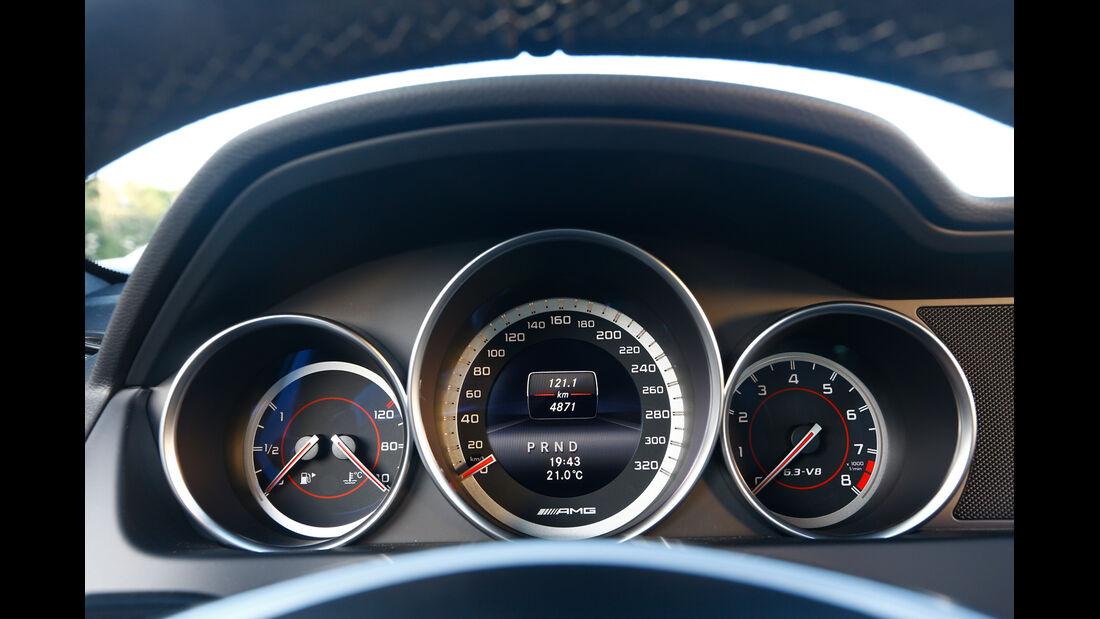 Mercedes C63 Edition 507, Rundinstrumente