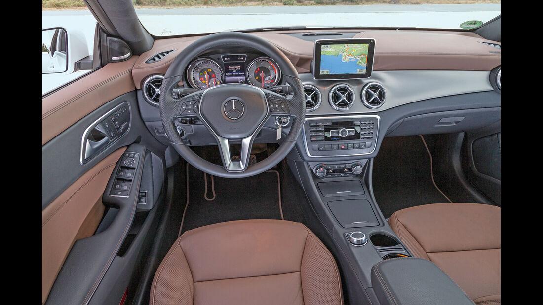 Mercedes CLA 180 CDI, Cockpit