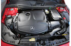Mercedes CLA 180, Motor