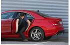 Mercedes CLA 180, Rücksitz, Aussteigen