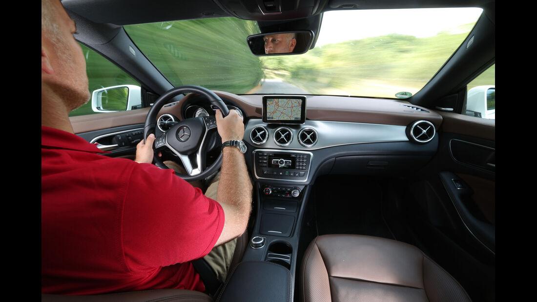 Mercedes CLA 220 CDI, Cockpit, Fahrersicht