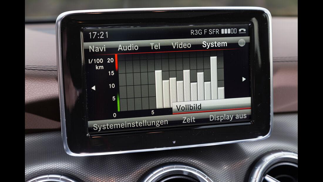 Mercedes CLA 220 CDI, Display, Infotainment