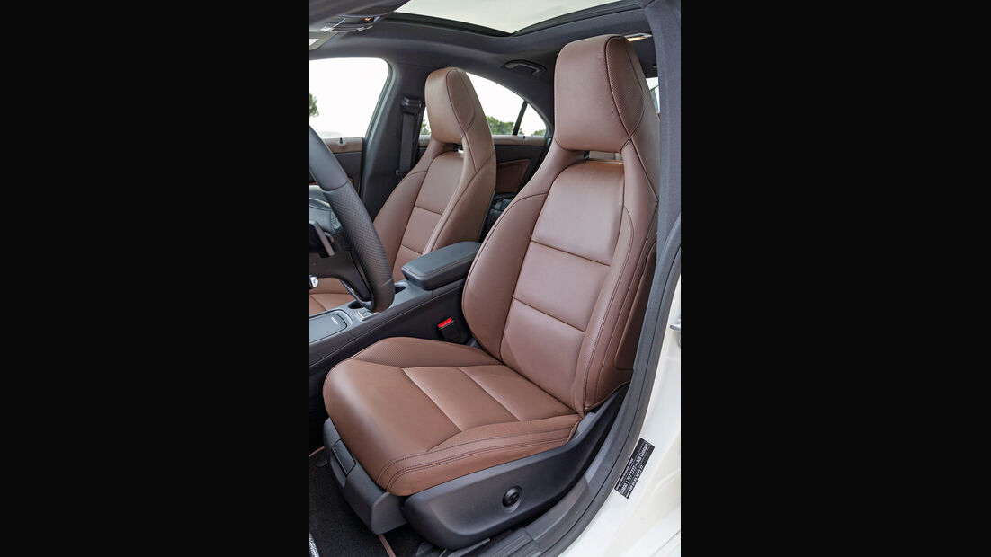 Mercedes CLA 220 CDI, Fahrersitz