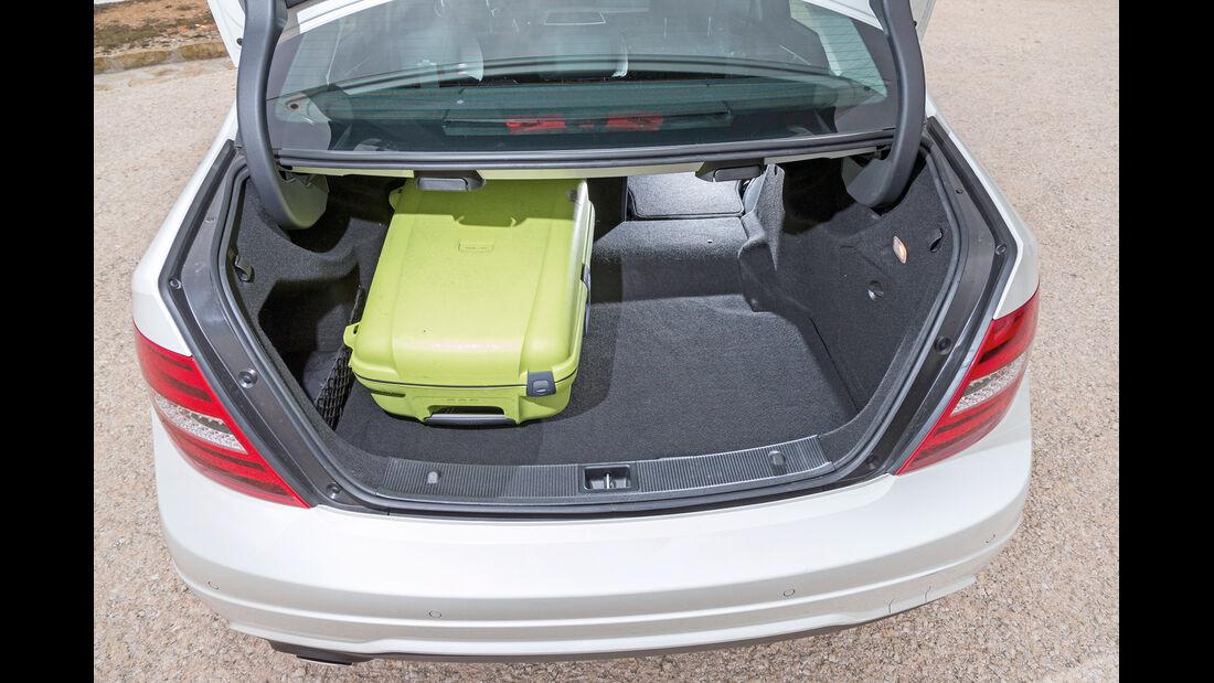 Mercedes CLA 220 CDI, Kofferraum