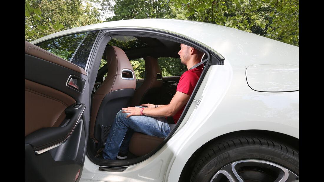 Mercedes CLA 220 CDI, Rücksitz, Beinfreiheit