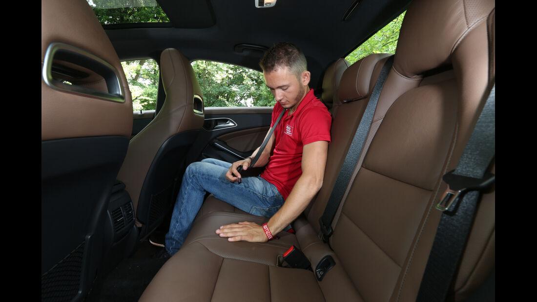 Mercedes CLA 220 CDI, Rücksitz, Fond