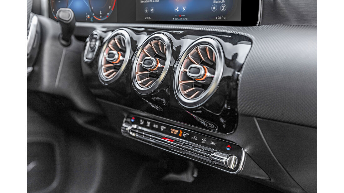 Mercedes CLA 250 4Matic AMG Line, Interieur