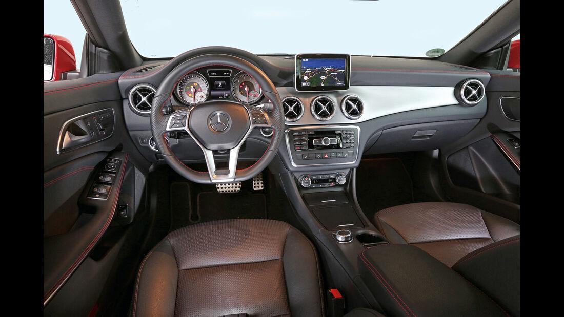 Mercedes CLA 250, Cockpit, Lenkrad