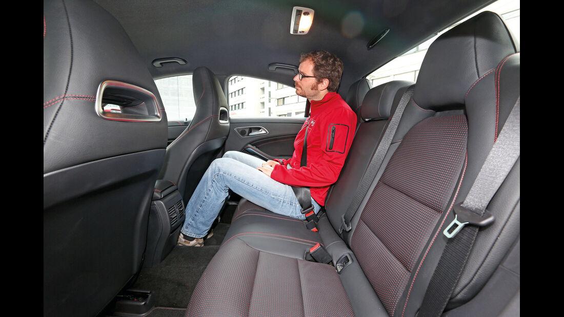 Mercedes CLA 250, Rücksitz, Beinfreiheit