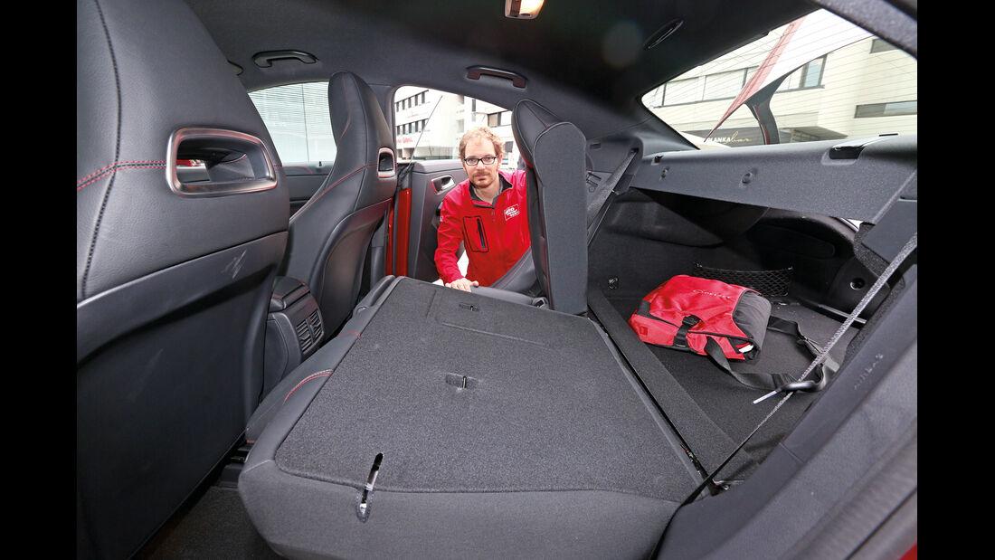Mercedes CLA 250, Rücksitze, Umklappen