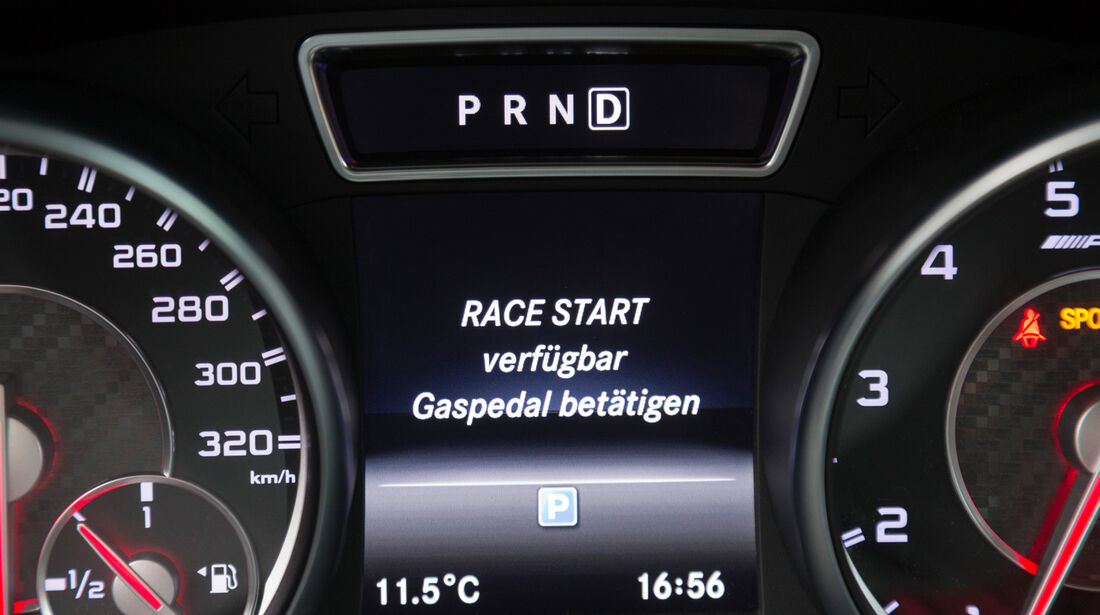 Mercedes CLA 45 AMG 4MATIC, Infotainment