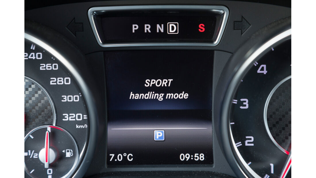 Mercedes CLA 45 AMG, Anzeige, Bordcomputer