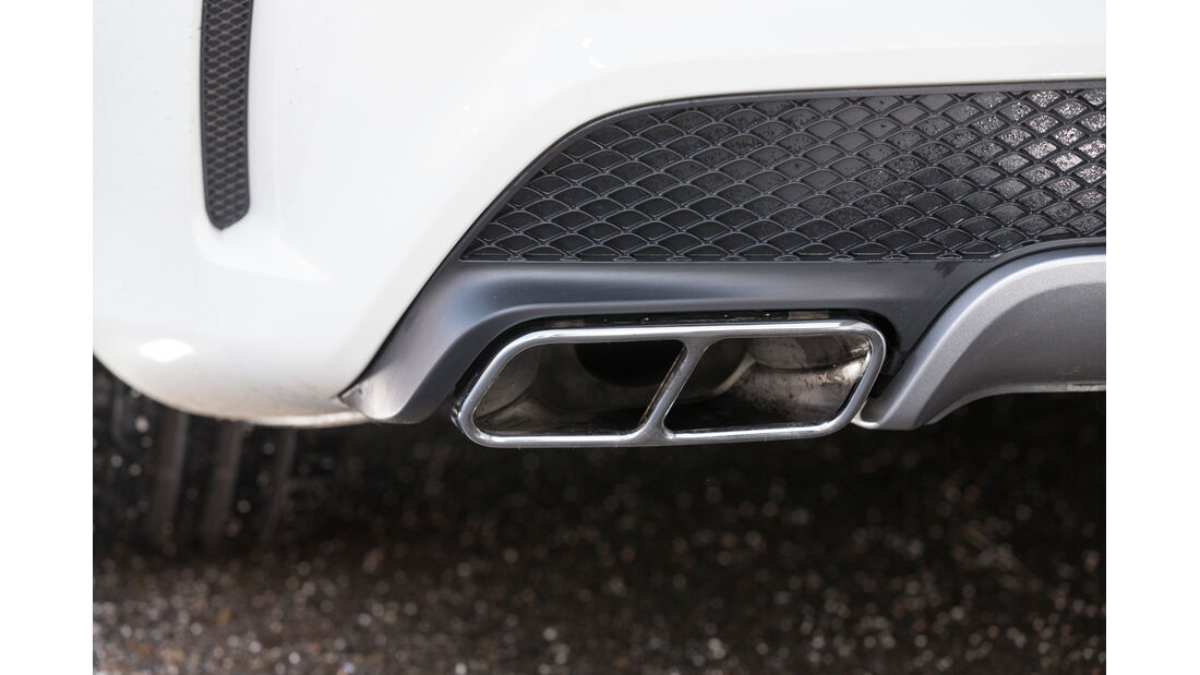 Mercedes CLA 45 AMG, Auspuff, Endrohre